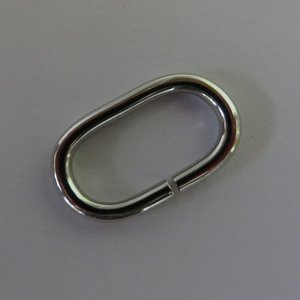 Ovale ring nikkel 28 mm binnenmaat 20 mm geschikt voor 2 cm band