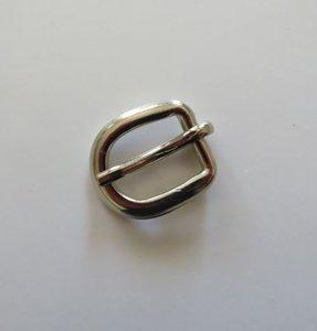Gesp zilverkleur/nikkel  lengte 2 cm doorvoer 10 mm